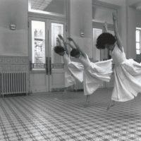 ...und doch tragen sie den Winter in ihren Köpfen: company tanztheater homunculus 1990 (Foto: Michael Zechany)